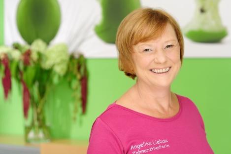 Praxis für Zahngesundheit Dr. Jana Schutte I Zahnarzthelferin Angelika Liebau